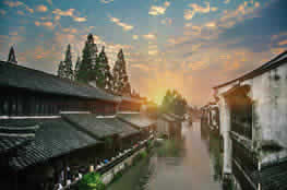 Day Trips From Hangzhou: Wuzhen Sunset Tour with Riverside Dining Experience