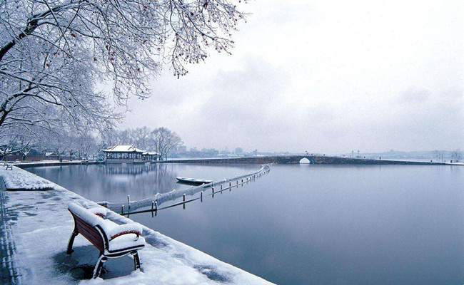 Hangzhou_in_winter.jpg