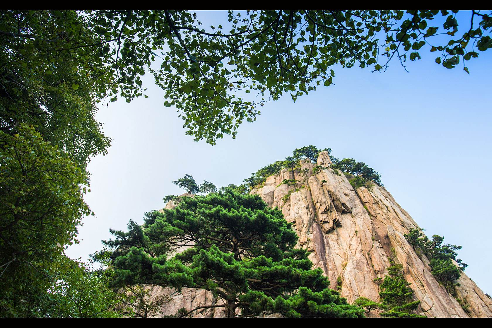 3-Day_Beijing_Huangshan_Sightseeing_Tour_with_Round-trip_High-speed_Train_2.jpg