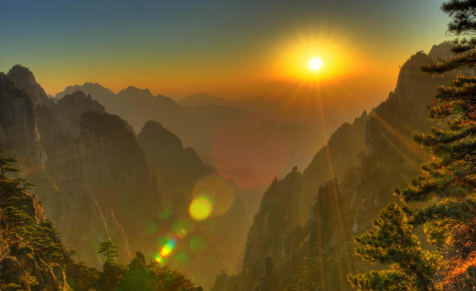 3-Day_Beijing_Huangshan_Sightseeing_Tour_with_Round-trip_High-speed_Train_5.jpg