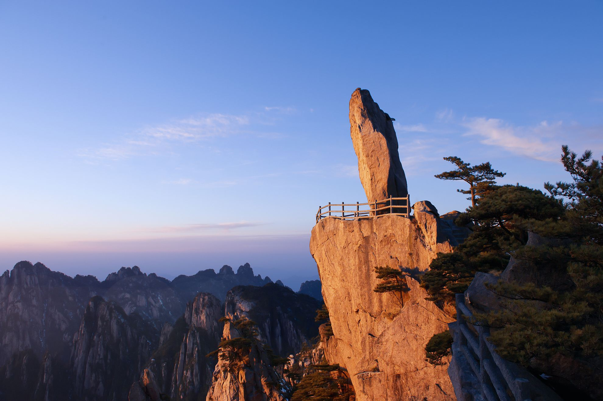 3-Day_Beijing_Huangshan_Sightseeing_Tour_with_Round-trip_High-speed_Train_8.jpg