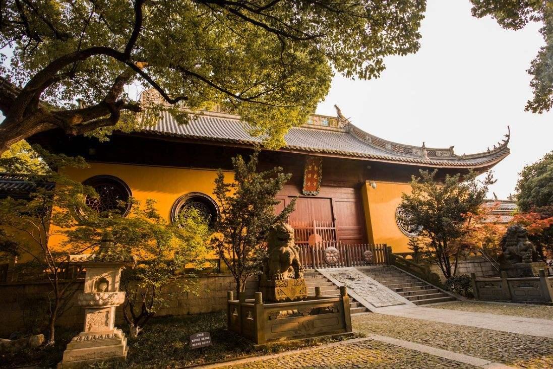 Lingyin_Temple_2.jpg