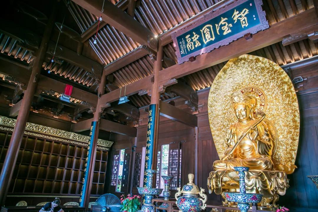 Jade_Buddha_Temple_New_2.jpg